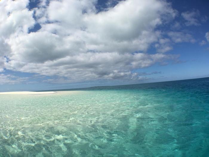 心地良い風を感じながら、さらさらのパウダーサンドの上を散歩するだけでも、ゆったりと心がほぐれ、癒やされていきます。  無人島であるノカンウィ島の幻のビーチは、カップルで一緒に見ると一生幸せになれるのだとか・・・。大切なパートナーと訪れてみてはいかがでしょうか。
