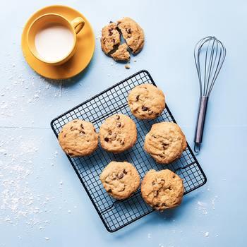 それでも甘いものを一切やめるのはなかなか難しいもの。お菓子がくれる幸せな気分も時には味わいたいですよね。それでは白砂糖ではなく、血糖の上昇が穏やかだったり栄養を多く含む、ナチュラルな甘味料で代替しておやつを作りませんか?