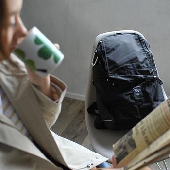 そんなときは、バッグから取り入れてみるのがおすすめ。リュックやサコッシュ、ウエストバッグ・ボディバッグなど、タウンユースで使いやすい&大人女性にもぴったりのアイテムカタログをお届けします。