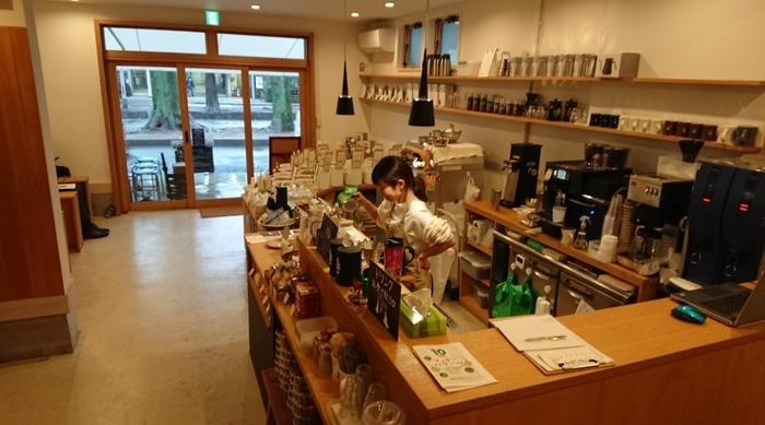 今回取り上げたいのは、落ち着いてゆっくり過ごせる「カフェ」。さいたま市は、百貨店などが多くお買い物スポットとしても人気ですが、上質な時間を過ごせる、本格的なロースタリー&カフェも点在しているんですよ。