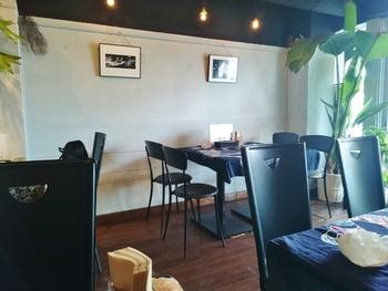 「Sumida River Kitchen(スミダリバーキッチン)」は、浅草駅を出て吾妻橋を渡ったところにあるかわいらしいレストラン。隠れ家のようなお店なので、観光客の喧噪から離れてランチを楽しみたい方にもぴったりです。