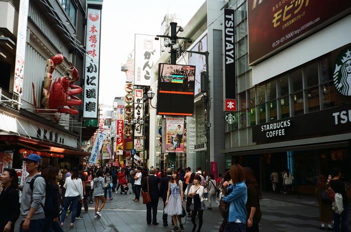 街中なのに心が落ち着く。一人でも入りやすい大阪の大人カフェ15選