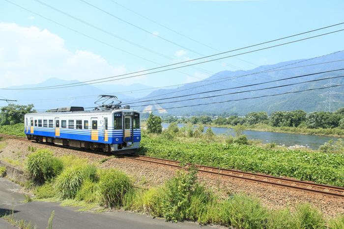 福井県観光連盟のサイト「ふくいドットコム」では、観光バスや電車で巡るツアー、タクシーで周遊するプランなどを紹介しています。定番の観光スポットやグルメを効率よく体験したい方には特におすすめです。いろいろなプランがあるので、充実した旅行になるはず♪