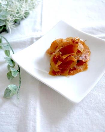 新生姜の佃煮は、白いご飯と相性抜群。お茶請けにもおすすめの一品です。出来上がった時点で一度味をみて、辛みが強い場合にはもう少し煮るなどして、辛さは調節してみて下さいね!