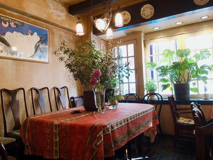 吉祥寺にある老舗「喫茶店」と「レストラン」をご紹介しました。お洒落な新しいカフェもいいですが、古くから地元の人に愛されている老舗も、またいいものです。今度吉祥寺にお出かけする際は、是非訪れてみてくださいね♪
