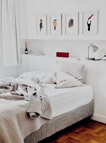 寝室では心が落ち着く香りや、入眠作用のあるものがおすすめです。香りはあまり濃くしすぎず、量を調整してふんわり香る程度にしておきましょう。
