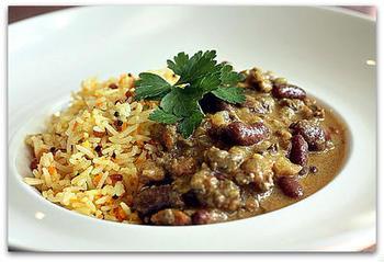 こちらは、牛肉と豆のカレー。レモンライスは、チキンによく合いますが、牛肉などにもしっくりとなじみます。