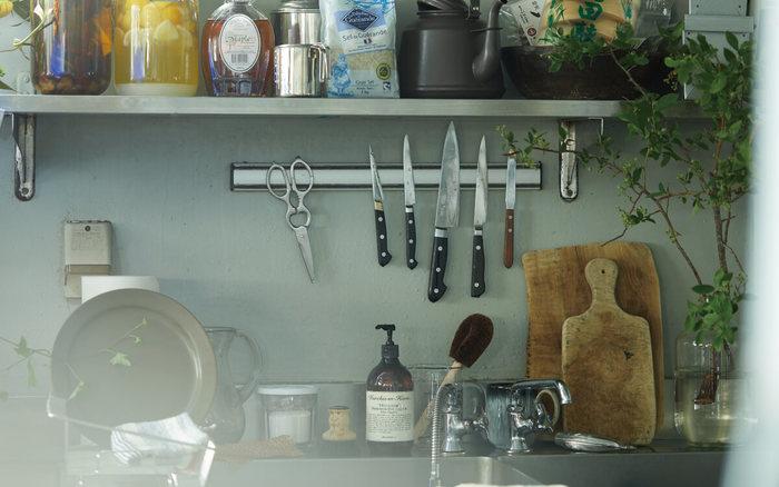 お料理をしたり、食器を洗ったり…毎日使う「台所」は、こまめなお掃除をすることで、日々の作業を心地よく行うことが出来ます。そこで今回は、お気に入りの定番にしたい、台所のお掃除・便利アイテムをご紹介したいと思います。