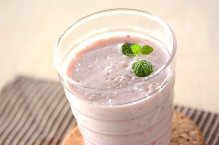 イチゴを使った豆乳もおすすめ!イチゴにはビタミンCや食物繊維も豊富に含まれているので、ぜひ日常的に作って飲んでみてくださいね。