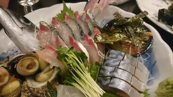 透明感のある刺身は非常に脂がのっていて、季節の魚や、福岡名物など、ここでしか食べられない逸品ばかりです。
