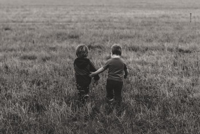 思い返せば子どもの頃、友達になりたいと思った相手に対して「友達になろうよ。」と声をかけた、あるいはかけられた記憶はありませんか?こんなにストレートで素敵な言葉はなかなかありませんよね。