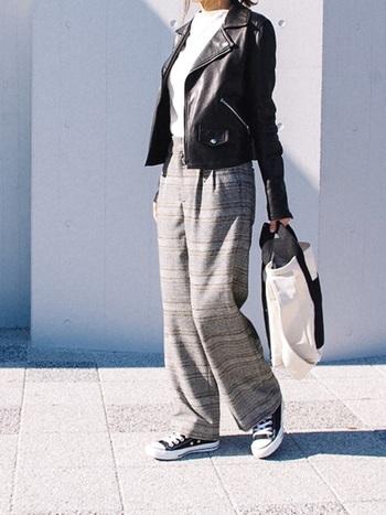 上品な着こなしを作る、『グレンチェック』のアイテムたち。華やかさ&軽やかさをプラスして、秋冬とはまた違った春ならではの『グレンチェック』の着こなしを楽しんでみませんか?