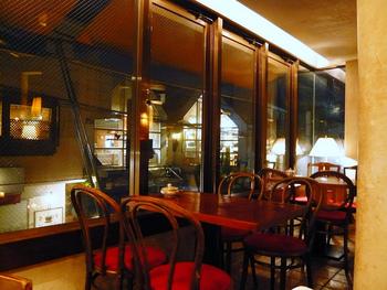 昭和レトロで懐かしさ感じる喫茶店から、長く続くごはん処や、和食屋に見えないオシャレで味のあるごはん処など、ご紹介しました。新しいお店が増えるなかで、ずっと続くお店には特別な魅力があります。気になるお店があればぜひ訪れてみてくださいね。