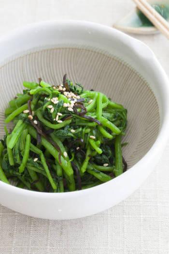 クレソンをさっと湯がいて塩昆布で和えただけの超スピード簡単レシピ。まさにあと一品欲しい時のお助けレシピです。お弁当にも!