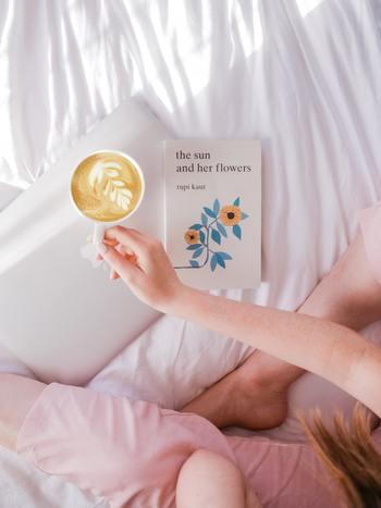 もともと本を読むことが習慣ならば、読書とは何か、なんのために本を読むのか、という疑問は抱かないかもしれません。でも、その習慣がないと、本にはなかなか手が伸びないものですね。