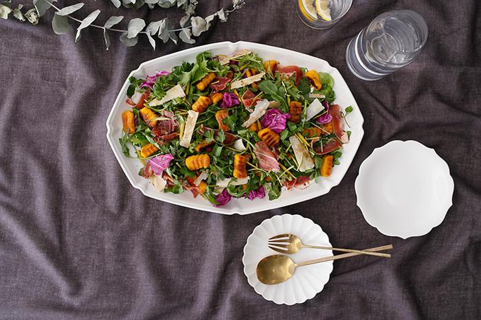 いかがだったでしょうか?一言で「サラダ」と言っても様々な種類があります。野菜が美味しい季節だからこそ野菜をたくさん使ったボリュームサラダで野菜を美味しく頂いちゃいましょう。