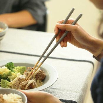 「マイ箸」の魅力と言えば、とにかく、お料理を美味しく、豊かな気持ちで頂けるということ。日本人であるからこそ、お箸の魅力を再確認してみてはいかがでしょうか。