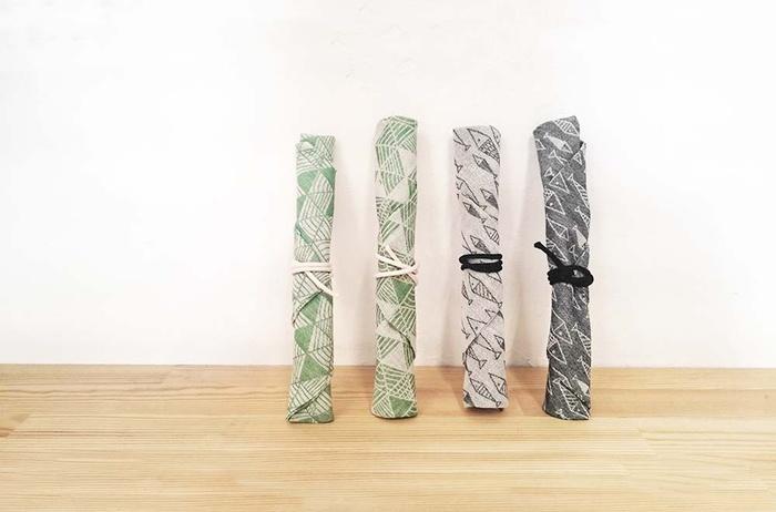 汚れても洗え、お手入れしやすいところも魅力的な布製の箸袋を手作りしてみませんか! 作り方は意外と簡単!お弁当の内容や気分に合わせ、日替わりで箸袋をチョイスするのもたのしいですね♪