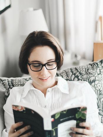 でも、普段意識していない隙間時間の活用なら、今と同じ生活スタイルのまま、内側から自分を変えていく事ができますね。隙間時間に、本を手にとってみませんか?そこに、忙しいからこそ入りこみたくなる、新たな世界との出会いが待っているかもしれません。
