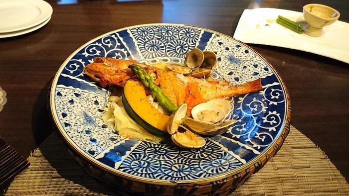 旬のお魚や野菜をふんだんに使ったお料理はおいしいと評判。おいしい食事と新鮮な温泉で心も体もリフレッシュできる宿です。
