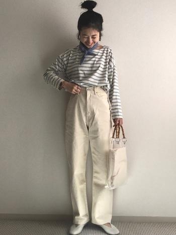 """これ一つで、レトロなファッションに。参考にしたいオシャレさんの""""小物テク"""""""