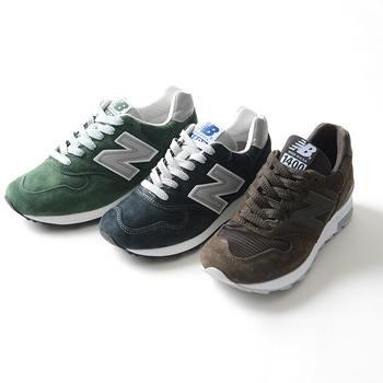 """「ニューバランス」は、アメリカのボストンで生まれたブランドです。元々は、矯正靴のメーカーでした。「履いた人が感じる""""新しいバランス""""感覚」が社名の由来となっています。"""