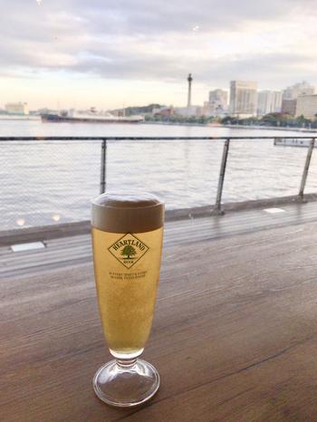 港町ならではの海が見える美しい景色と、異国情緒漂う国際的な雰囲気がミックスされた魅力あふれる街・横浜。横浜を訪れたときには、潮風を感じながらおしゃれランチを楽しむのはいかがでしょうか?