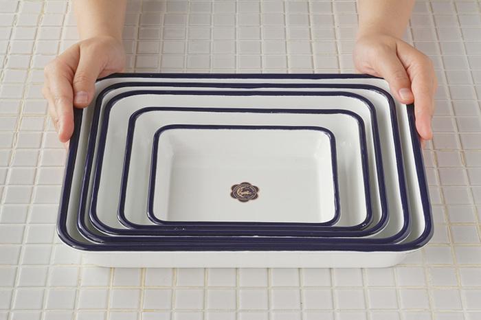 W158×D125×H26mmから、W296×D236×H43mm までサイズは5つあるので、いくつか揃え用途によって使い分けるのも良さそう。こちらも入れ子にできるので、収納もバッチリです。