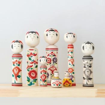 その5代目・櫻井昭寛さんが手掛ける伝統のこけしは、すべて手作りの一点物。先代達の個性を引き継ぎ、表情豊かに作られます。