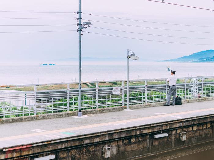 『海の見える駅で』 D750+SIGMA 50mm f1.4 DG HSM ART