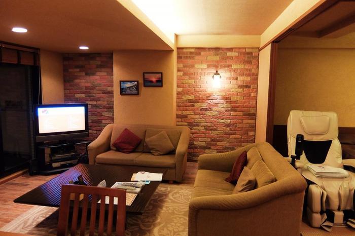 鴨川グランドホテルが運営するコンドミニアムタイプのホテル。客室にはリビングやキッチンが備えられ、まるで自宅で寛いでいるように滞在することができます。