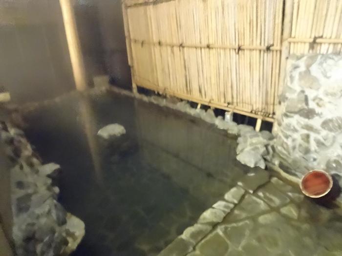 岩手県で一番長い歴史のある台温泉は、南部藩のお殿様も利用していました。風情のある露天風呂で豊富な湯量の100%かけ流しの天然温泉につかっていると感慨深い気持ちになりますね。