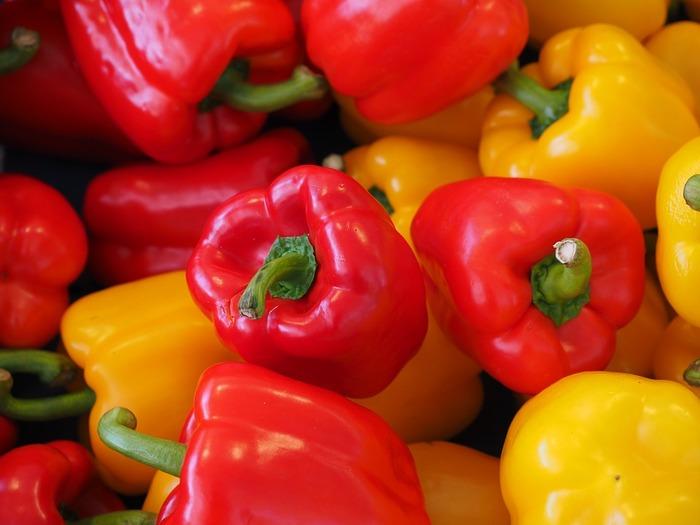 ビタミンCは、これからの季節に欠かせない重要な栄養素。抗酸化作用に優れているだけでなく、メラニンの生成を抑えるなど美肌のためにうれしいことがいろいろとあるようです。野菜では、パプリカや芋類などに多く含まれます。
