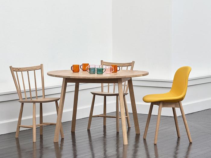 おしゃれで存在感のある丸いテーブルにすれば、生活感が出やすい場所もアートな空間になります。ぜひお気に入りのテーブルを見つけてください。