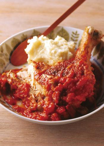 トマト煮込みも、栄養が効率よく摂れる料理ですね。ビタミンEが豊富な豆も入っていますので、紫外線対策の栄養が複合的に摂れそうです。