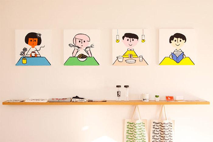 デザインを行ったのは愛知県出身のイラストレーター、友澤 健太郎さん。柔らかい線とカラフルで温かみのあるイラストがとても可愛いです。