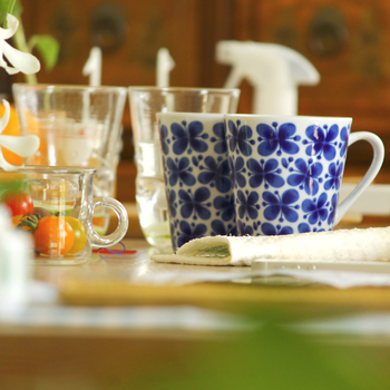 食器やランチョンマット、エプロンといったキッチン周りのアイテムは特に充実しています。素材がよく、上品なデザインのキッチンアイテムは目上の方へのプレゼントとしてもおすすめです。