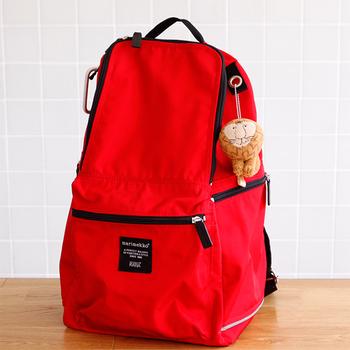 フェルトのやわらかな肌触りが心地良い。鍵に付けてももちろんいいですが、シンプルなバッグに付けてアクセントにしてもいいですね。