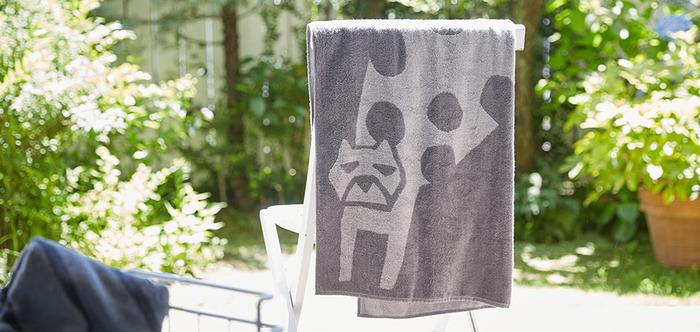 マリメッコやユニクロなどのデザインも手掛けるデザイナー・鈴木マサル氏のブランド<OTTAIPNU>。バスタオルの主役は、ちょっと癖のある動物たち。ヒョウやライオン、シロクマ、フクロウなど、さまざまなどうぶつたちの愛嬌ある表情が魅力です♪