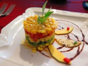 コロニアルレストランで味わえる、フレンチベトナミーズ。ベトナム料理をフレンチアレンジした、見た目もおしゃれで美味しい料理です。その上フレンチなのに、価格はとてもリーズナブルなのがさらに嬉しいポイントです!
