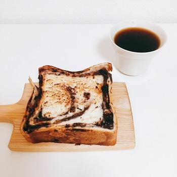 全国のパン屋さんで出会える~絶品あんこ入り食パン【8選】