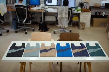 全部で30パターンという、豊富な配色が魅力的な「SUSAN BIJL(スーザンベル)」のエコバッグ。カラー展開が豊富なので、きっとお気に入りの一枚が見つかるはずです。