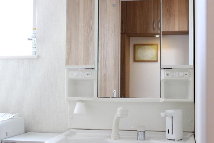 手頃にスッキリ見せるには?「無印」「ニトリ」「IKEA」を使った【洗面所・収納術】