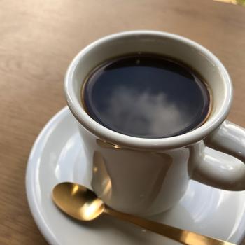 世界中から厳選したコーヒー豆を自家焙煎しています。丁寧にコーヒーの説明をしてくれるので、初心者さんでも自分好みの一杯を見つけることができますよ。