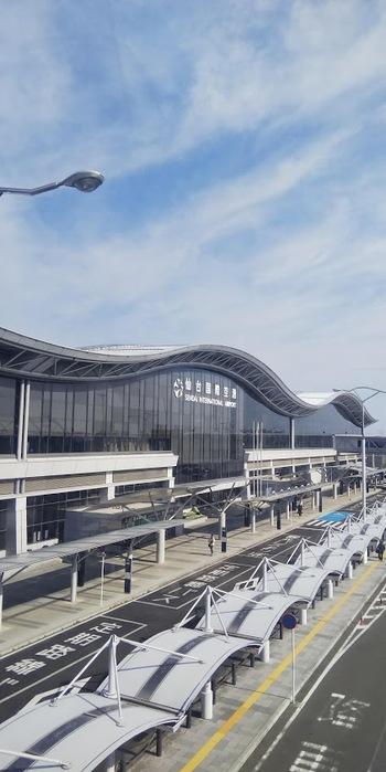 宮城県へのアクセスは、飛行機や新幹線が便利です。また、東北自動車道や常磐自動車道、三陸自動車道の高速道路は、全国の主要都市とつながっています。他府県からのアクセス方法は、以下のサイトをご確認ください。