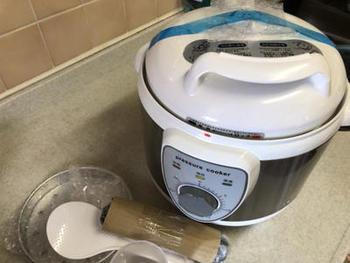 火を使わない電気圧力鍋は、火力調整もいらず、ほったらかしで調理できるのがメリット。キッチンに置くスペースがある方にはいいかもしれませんね。