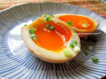 茹で卵よりもちょっぴりリッチな煮卵。半熟から固茹でまで、卵の茹で方次第でアレンジも楽しめます。アジアンから洋風まで味付けも実にさまざま。コレが一番!と思う煮卵レシピを見つけてぜひ作ってみてくださいね♪