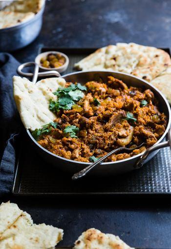 インドの人々の生活に欠かせないカレー。広大なインドは東西南北のエリアに分かれ、それぞれの地域でカレーもかなり異なります。どんなカレーを食べているのでしょうか。