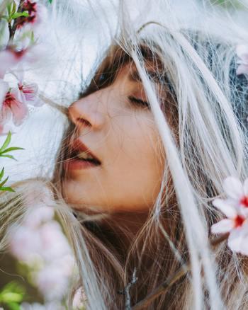 自分にとってのマンネリを、つまらない、変えたいと思うより先に、「愛すべき自分のベーシックなんじゃないか」と見方を変えてみませんか?それは、生活の中の小さな幸せをきちんと感じようとすることに似ているのかもしれません。