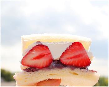 期間限定の「苺と小豆のバターサンドイッチ」もぜひ食べてみたいですね。濃厚なクリームとホクホクした小豆、フルーティな甘酸っぱさがたまりません。